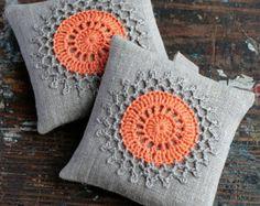 Lavender sachets crochet motif set of 2 by namolio on Etsy Crochet Cushions, Crochet Pillow, Crochet Motif, Crochet Designs, Crochet Patterns, Crochet Home, Crochet Gifts, Cute Crochet, Vintage Crochet