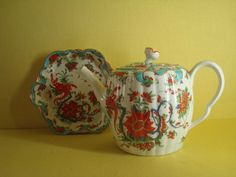 - A Worcester teapot, cover and stand