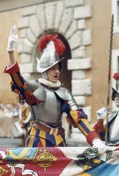 Rome, Swiss Guard, Religion, St Peters Basilica, San Pablo, Sistine Chapel, Pope John, Military Uniforms, Vatican City