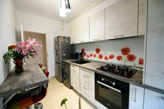 #linekitchen #germankitchens #modernkitchen #kitchendesign #smallkitchen  #kitchenfurniture #kitchenideas #kitchendecor #kitchengermandesign  #bucatarieIXINA #bucatariemoderna #IXINA #IXINAclara #IXINAkitchen #IdeiDeLaIXINA Modern, Kitchen Cabinets, Furniture, Design, Home Decor, Trendy Tree, Decoration Home, Room Decor, Cabinets
