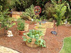 http://gardenersfootsteps.blogspot.com/