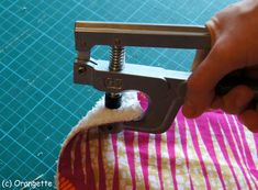 Poser des pressions... - Fleurs d'Orangette Sewing, Crochet, Scrappy Quilts, Dressmaking, Couture, Fabric Sewing, Chrochet, Crocheting, Stitching