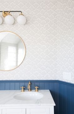Stiffkey Blue by Farrow & Ball: It is the perfect happy blue without being too royal, and unlike our other favorite Hague Blue by Farrow and Ball it doesn't feel too dark or mood White Bathroom, Bathroom Interior, Modern Bathroom, Small Bathrooms, Charcoal Bathroom, Interior Paint, Interior Design, Lavender Bathroom, Natural Bathroom