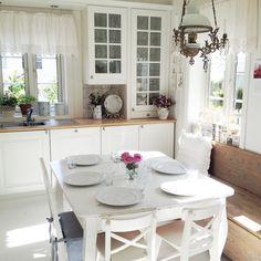 Shabby and Charme: Nordic Style con accenni di Shabby a casa di Silje