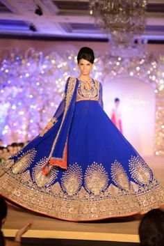 Abu Jani Sandeep Khosla Golden Peacock Indian Bridal Show | Indian Wedding Site - this wud be fun to photograph