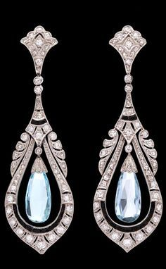 Art Deco Aquamarine and Sapphire Dangle