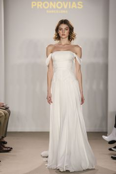 22f4d63263ff NYC Meets the Atelier Pronovias 2018 Preview Collection