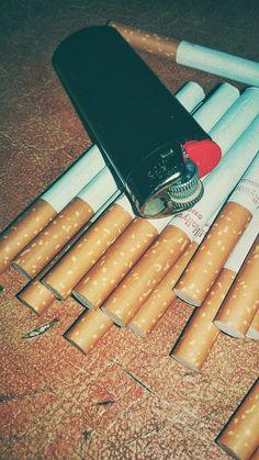 Smoking Kills, Girl Smoking, Smoking Weed, Smoke Wallpaper, Aesthetic Iphone Wallpaper, Mobile Wallpaper, Orange Wallpaper, Malboro, Cigarette Aesthetic
