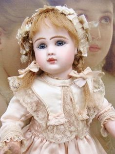Adorable antique Steiner Bebe in small size. Antique Dolls, Vintage Dolls, Haunted Dolls, Doll Painting, Half Dolls, Antique Cabinets, China Dolls, Bisque Doll, Doll Face