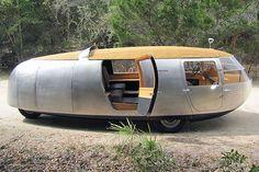 The Dymaxion car designed by Buckminster Fuller. Camper Caravan, Camper Trailers, Campers, Weird Cars, Cool Cars, Motorhome, Airstream, Vintage Rv, Vintage Travel Trailers