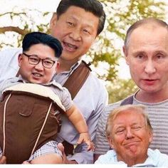 Keeping the Kids on a Short Leash = One Big Happy Family Memes Funny Faces, Cartoon Memes, Funny Video Memes, Donald Trumph, Donald Trump Caricature, Donald Trump Funny, Troll Meme, Trump Cartoons, Funny Caricatures