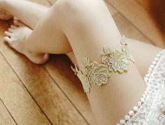 Antique Gold or Silver Rose Lace Garter