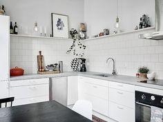 Calm Apartment with Vintage and Retro Decor (design attractor) Kitchen Dining, Kitchen Decor, Kitchen Cabinets, Open Kitchen, Kitchen Wall Colors, Kitchen Images, Cuisines Design, Kitchen Interior, Home Kitchens