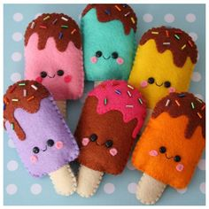 Loisirs créatifs : personnages et gâteaux en feutrine Cute felt ice lollies ! Blooming Felt's thick wool felt would make these beautifully www. Cute Crafts, Crafts For Kids, Arts And Crafts, Sewing Crafts, Sewing Projects, Craft Projects, Felt Projects, Fabric Crafts, Felt Decorations