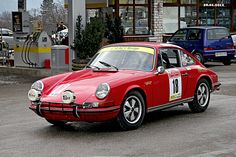 https://flic.kr/p/bkDfkc | PORSCHE  911 S  year 1969 | PORSCHE  911 S c.c. 2200  year 1969  FIOCCHI / PURRI del Team CAMS ROVIGO  Dopo il pieno di carburante si può andare alla partenza del Rally  After a full tank of fuel can go at the start of the Rally  www.rallysanmartino.com/autostoriche/snowtrophy/2012/gall...  Mezzano Tn Italy  28.01.2012