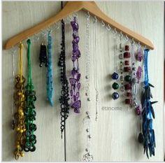 Organizar colares e pulseiras