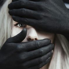 I wanted to create a serie where model can't control everything. I used male hands painted in black to make a contrast and to see how will gonna look like when other person do things and not you. Why black? Because black show strength, black is such a st… Dark Photography, Creative Photography, Portrait Photography, Concept Photography, Manara Milo, The Grisha Trilogy, Male Hands, Foto Art, Creative Portraits