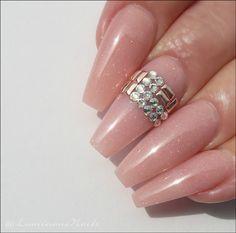 Shimmery Nude Ballerina Shape Acrylic Nails with Swarovski Bling Nail Art Design Gallery, Gel Nail Art Designs, Gold Nails, Nude Nails, Sculptured Acrylic Nails, Luminous Nails, Nail Art Images, Ballerina Nails, Classy Nails