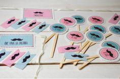 decoracion mesa dulce Amanda mustache - banderines tarjetas de recuerdo Amanda sweet table decoration  topetting muffins - pins  - memory cards www.facebook.com/ku.pa.108