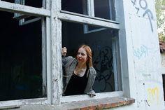 Portrait of a girl in a lost place|Portrait eines Mädchens in einem verlassenen Gebäude| Neubrandenburg| Hendrikje Richert Fotografie| www.facebook.com/HendrikjeRichertFotografie