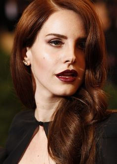 Lana Del Rey - I want this hair color!!