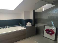 Bagno ristrutturato  Materiali usati  FLORIM  casamood neutra 6.0 pavimento e rivestimento IDEAL STANDARD  sanitari -box doccia -rubinetteria  AZZURRA  mobile -rivestimento vasca #florim #idealstandard #azzurrabagni