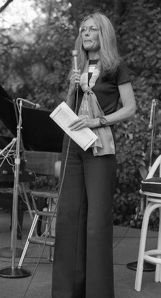 Now This Is Radical Chic: Retro Photographs of Gloria Steinem