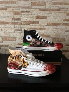 I need!!!!! The Walking Dead Converse
