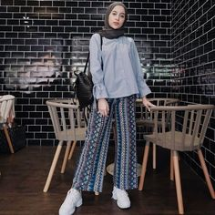 Hijab Fashion actual scarf is the most essential element in the clothing o Hijab Fashion Summer, Modest Fashion Hijab, Modern Hijab Fashion, Street Hijab Fashion, Casual Hijab Outfit, Hijab Fashion Inspiration, Hijab Chic, Hijab Style Dress, Muslim Fashion