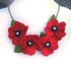 Red Poppy Necklace, Felt Poppies and Pearls Flower Necklace, Bright Red Statement Jewellery - This beautiful red poppy necklace is part of my poppies and pearls range. This gorgeous felt flower - Felt Necklace, Flower Necklace, Simple Necklace, Necklace Set, Fabric Necklace, Pendant Necklace, Felt Flowers, Fabric Flowers, Pearl Flower