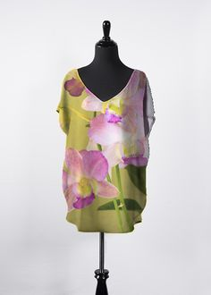 Orchid Blush Essential Top. Fits larger than normal.