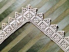 Filet Crochet, Crochet Borders, Crochet Angels, Hand Embroidery Patterns, Macrame, Pattern Design, Diy And Crafts, Knitting, Handmade