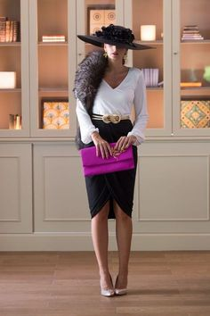 Love the pop of color with the clutch 😍 😍 😍 outfit ideas in Gala Dresses, Nice Dresses, Evening Dresses, English Dress, Petite Fashion, Womens Fashion, Royal Clothing, Elegant Outfit, Trench Coats