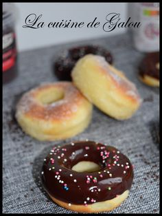 Whats up everybody, Carnival is behind us, however I wished to please my daughter and make her donuts. These are baked for … Donuts Vegan, Baked Donuts, Beignets, Sweet Little Things, Ham And Cheese, Macaroons, Doughnut, Bakery, Oven