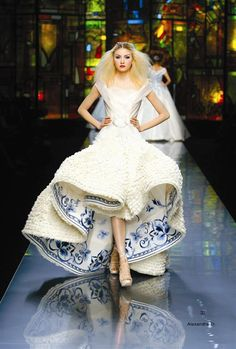 (8) haute couture