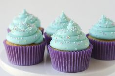 American Buttercream Frosting with adaptations for Cream cheese and also flavouring options. Another pinner said, Seriously the best frosting recipe! cupcake-cupcake-cupcake