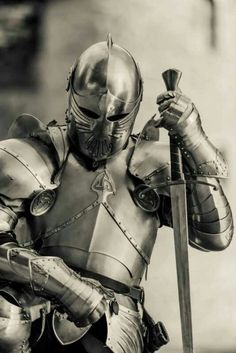 A warrior of Jesus will cloth himself/herself fully in the armor of God. (Ephesians We cannot afford to only out on portions of the armor, we must it it all on. Medieval Knight, Medieval Armor, Medieval Fantasy, Armadura Medieval, Knight In Shining Armor, Knight Armor, Armor Concept, Concept Art, Illustration Fantasy