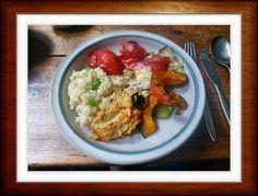 Ofengemüse:  Zucchini,Artischoken,Tomate,Paprika,Kürbisspalten  Olivenöl,Salz  Humus/Kicherbsen-Sesam Püree : 250 gr. Kichererbsen 4 Stck Knoblauchzehen 150 gr. Tahin (Sesammus) 3 Stck Zitronen( Zitronensaft) Salz Zubereitung: Kichererbsen aus dem Glas ,abtropfen alle Zutaten in eine Schüssel und mit dem Pürierstab mixen mit Salz abschmecken Das Püree sollte die Konsistenz von Mayonaise haben