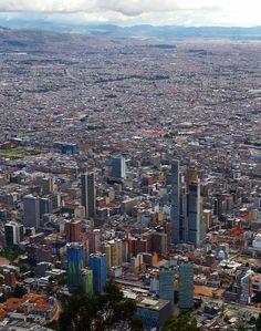 Богота является столицей и крупнейшим городом в Колумбии