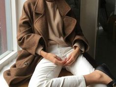 Tan trench coat, camel sweater, white jeans. Street style, street fashion, best street style, OOTD, OOTD Inspo, street style stalking, outfit ideas, what to wear now, Fashion Bloggers, Style, Seasonal Style, Outfit Inspiration, Trends, Looks, Outfits.