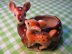 Isn't this the cutest Deer planter ever?!  My Mom gave it to me-- fitting, isn't it?
