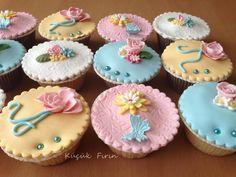 Cupcakes - Çicekli Cupcakeler