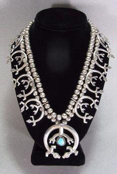 Online veilinghuis Catawiki: Amerikaanse native zilveren ketting- Majesteuze Yei squash blossom ketting