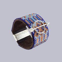"""Bracelet """"Indian Peace"""" manchette Navajo sur Cuir vachette Noir Fermoir Aimanté argenté INTERCALAIRE FLÈCHE 46X23 : Bracelet par deluxal"""