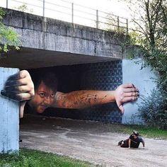 Graffiti artist creates mind-bending street art that will make you look twice Murals Street Art, 3d Street Art, Amazing Street Art, Street Art Graffiti, Street Artists, Amazing Art, Graffiti Artists, Amazing Pics, Urban Street Art