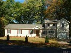 649 WAITE Rd. Clifton Park, NY $239,000 4 Bedrooms 2 Baths Colonial:1 stall garage, DNA, eat in kitchen http://goo.gl/6nWPe http://RENY.net #Real Estate New York