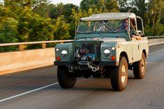 https://flic.kr/p/v77cxH | Off-roading Vermont | Recent Land Rover off-roading trip in Royalton, Vermont.  More on the blog: jonathanheisler.com/blog/2015/7/15/land-rover-off-roading