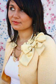 Cute collar add-on for a cardigan