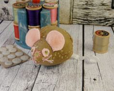 Popular items for mouse pincushion on Etsy
