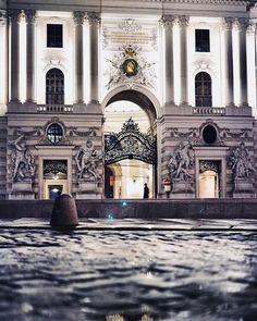 Violent Bodybuilders  #wien #vienna #oldtown #austria #igersvienna #igersaustria #viennabynight #viennaatnight #urbex #streetphotography #agameoftones #moodygrams #moody #latenightvienna #photowalk #nightwalk #visitaustria #visitvienna #wienliebe #1000thingsinvienna #sonyalpha #sonyalpha7 #inlovewithvienna Visit Austria, Vienna Austria, Vienna At Night, Alpha 7, Photo Walk, Late Nights, Old Town, Street Photography, Louvre